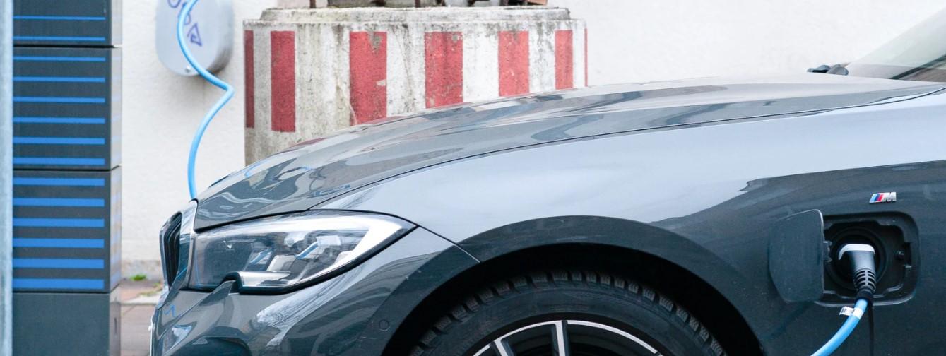Jakie wyróżniamy ładowarki samochodów elektrycznych?